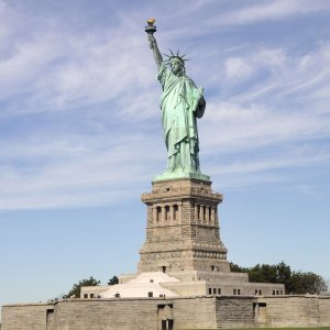 statue_of_liberty_before_2016_election